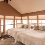 Creekside-Chalets-ColumbiaThreeBedroom_two-bed-windows-min