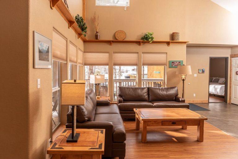 Creekside-Chalets-OxfordTwoBedroom_living-room2-min