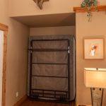 CreeksideChalets-AnteroOneBeddroom_murphy-bed-min
