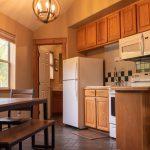CreeksideChalets-yale-kitchen1